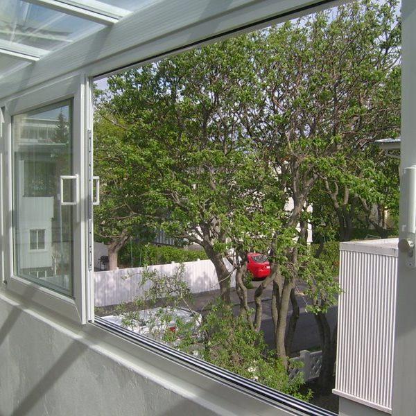 PVC SÓLSTOFUR & SVALALOKANIR